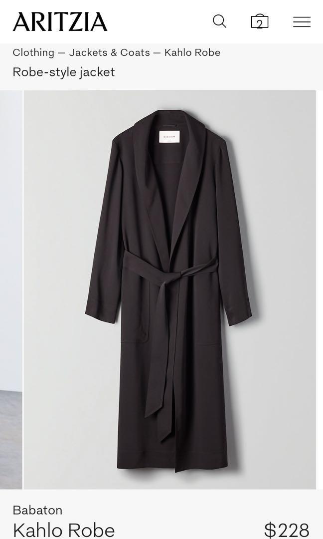 LARGE Aritzia Kahlo Robe BLACK
