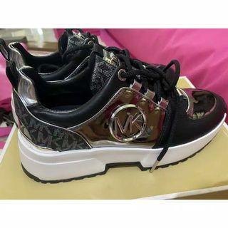 Sepatu MK Authentic