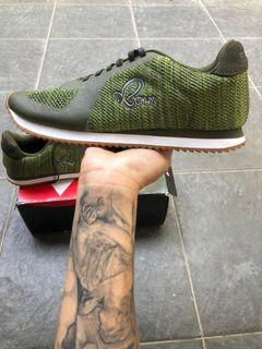 BFLY Sneakers