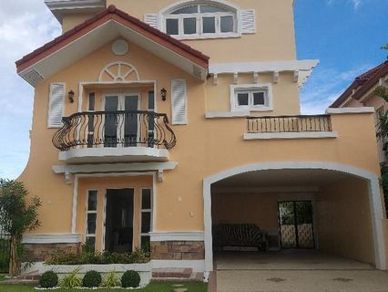 6 Bedroom 6 Toilet And Bath Single Detached House And Lot For Sale In Property For Sale House Lot On Carousell