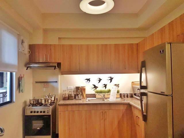For sale condo unit 1 bedroom and 1 bathroom in allegra garden place b