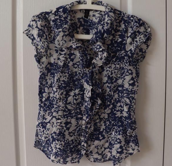 Banana republic sheer top size xs