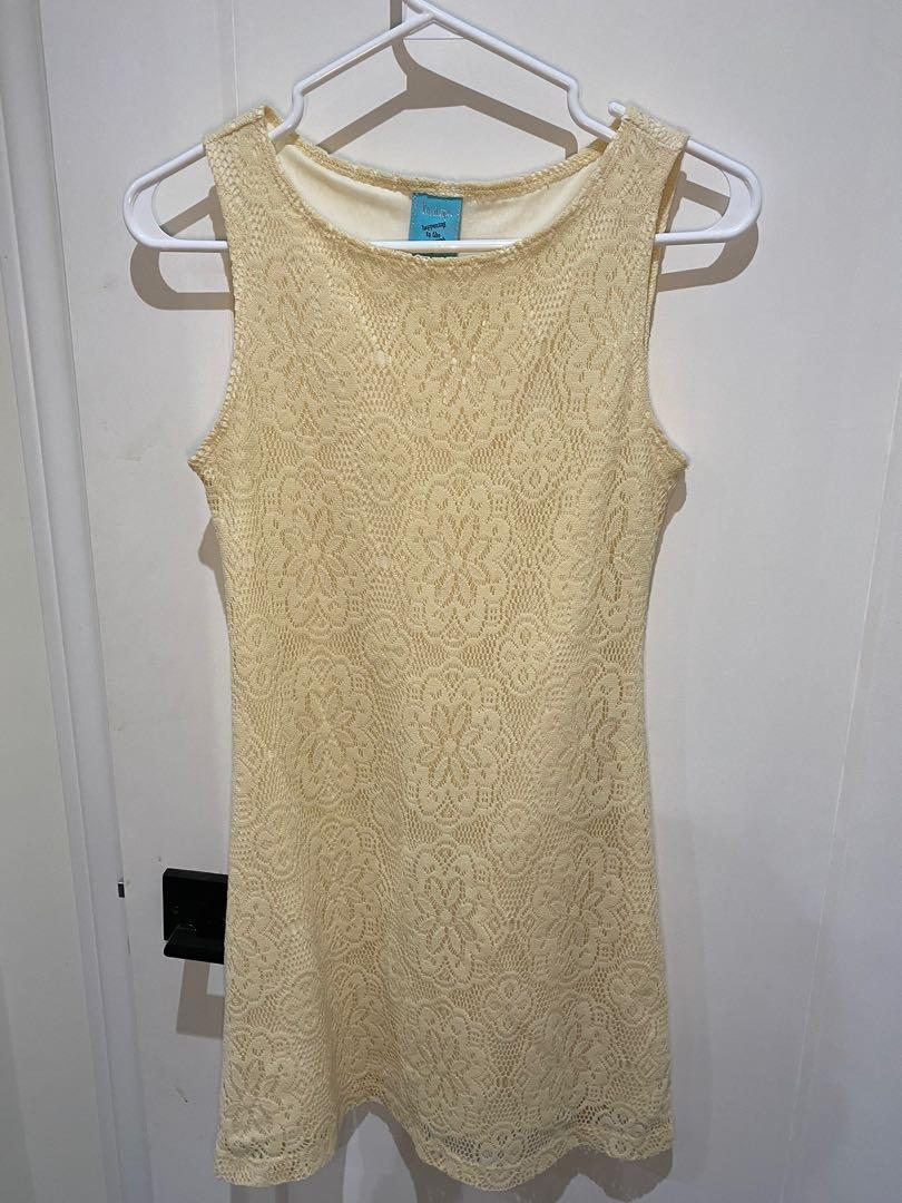 Lace cream colored dress womans size small