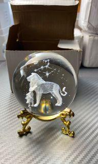 Lion glass ball's