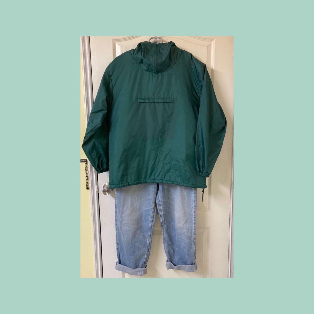古著店購入的上衣和褲子