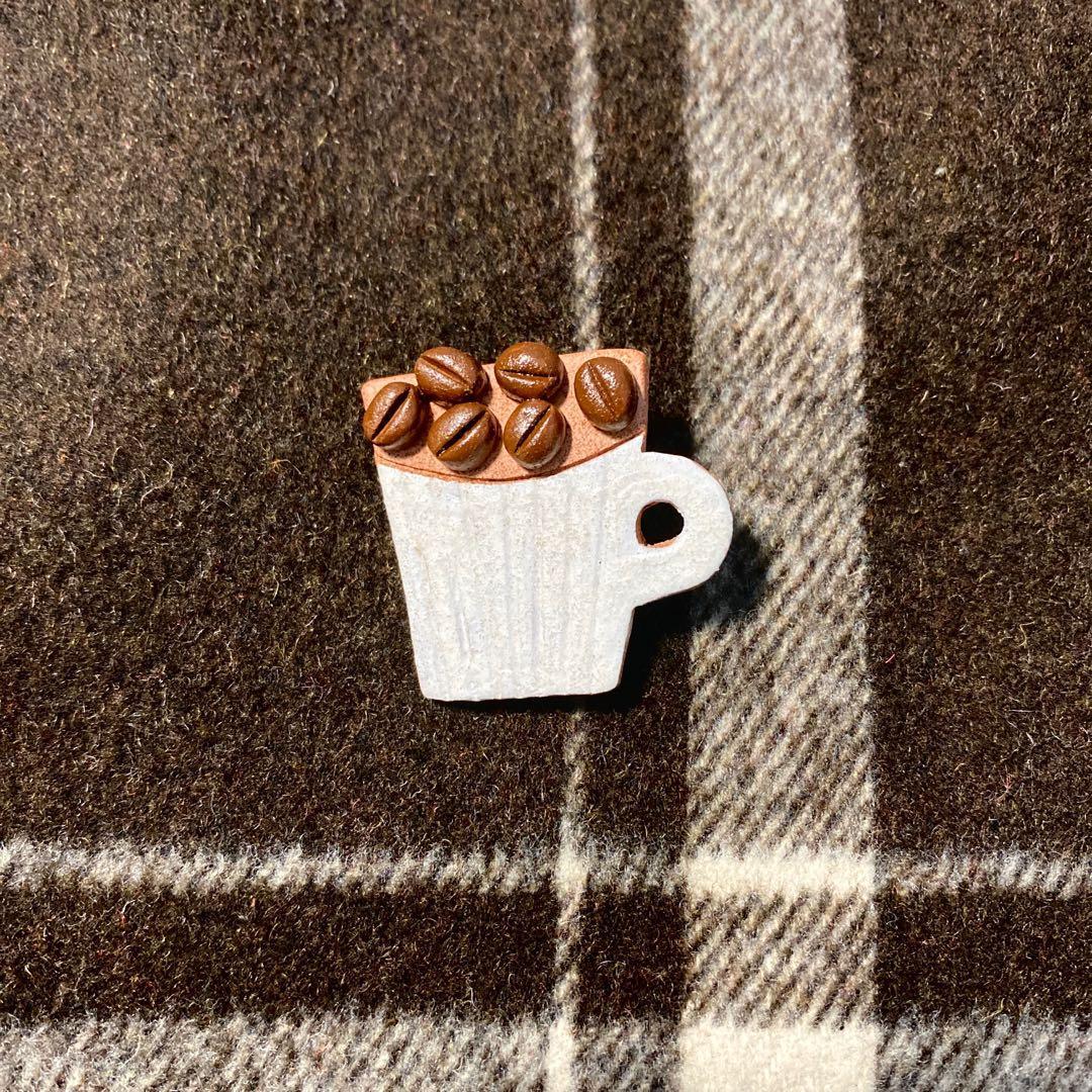 【現貨】簡約日系胸針 咖啡杯 陶土胸針 別針 胸章 徽章 日本手作日式風