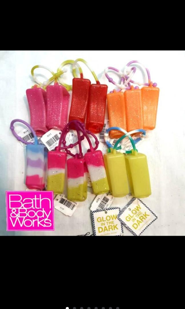 BBW BATH & BODY WORKS Cute Hand Sanitizer Holder Pocketbac