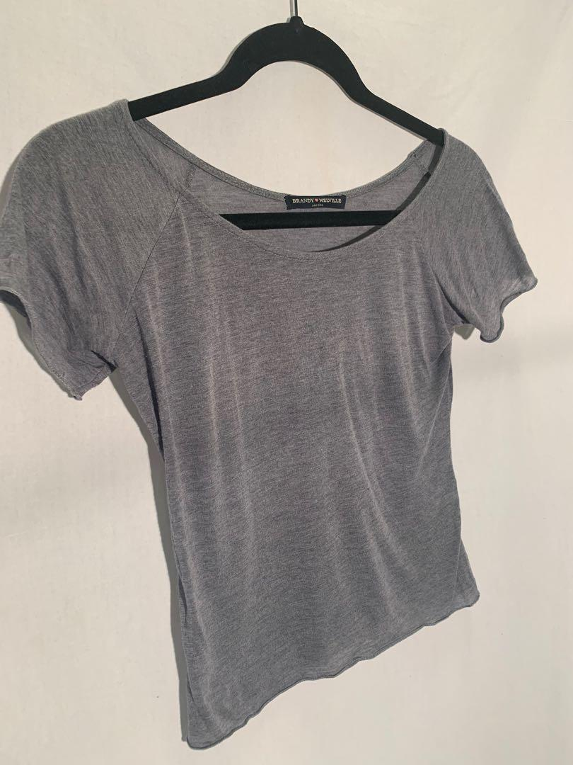 Brandy Melville t-shirt - O/S (xs) - lightly worn