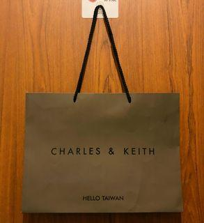 CHARLES&KEITH紙袋