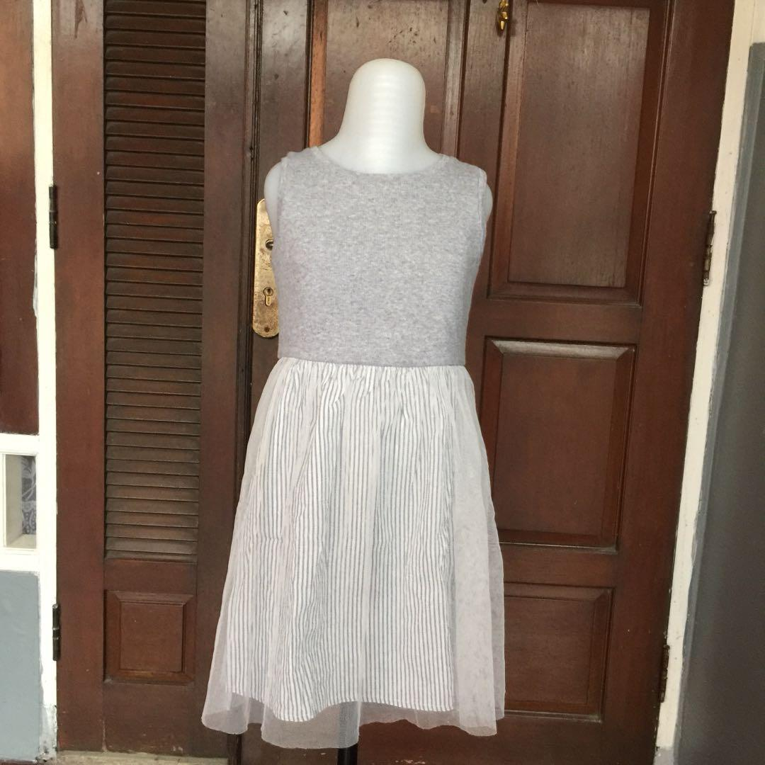 Like New Uniqlo 6-7Y Rajut Dress