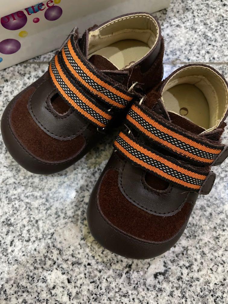 Sepatu bayi Colette