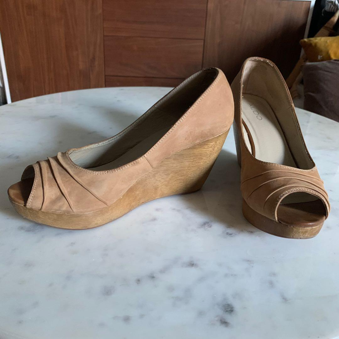 Size 9 wedge, Tan leather open toe
