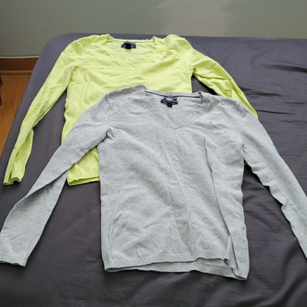[Bundle] Tommy Hilfiger Vneck sweaters