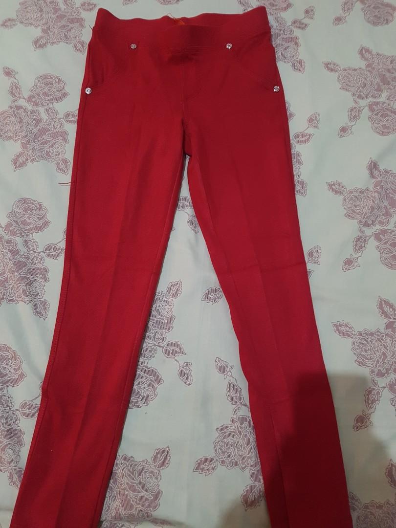 Celana Panjang Laging Merah