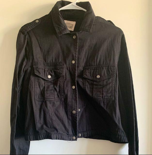 F21 Large size black cropped utility-style jacket