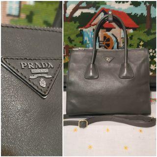Prada - Bekas Second Preloved Original Authentic