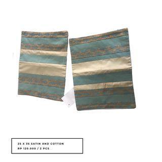 Sarung bantal sofa 25 x 35 bahan satin (2 pcs)