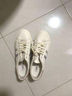 Sneakers For Blessing (size 39)