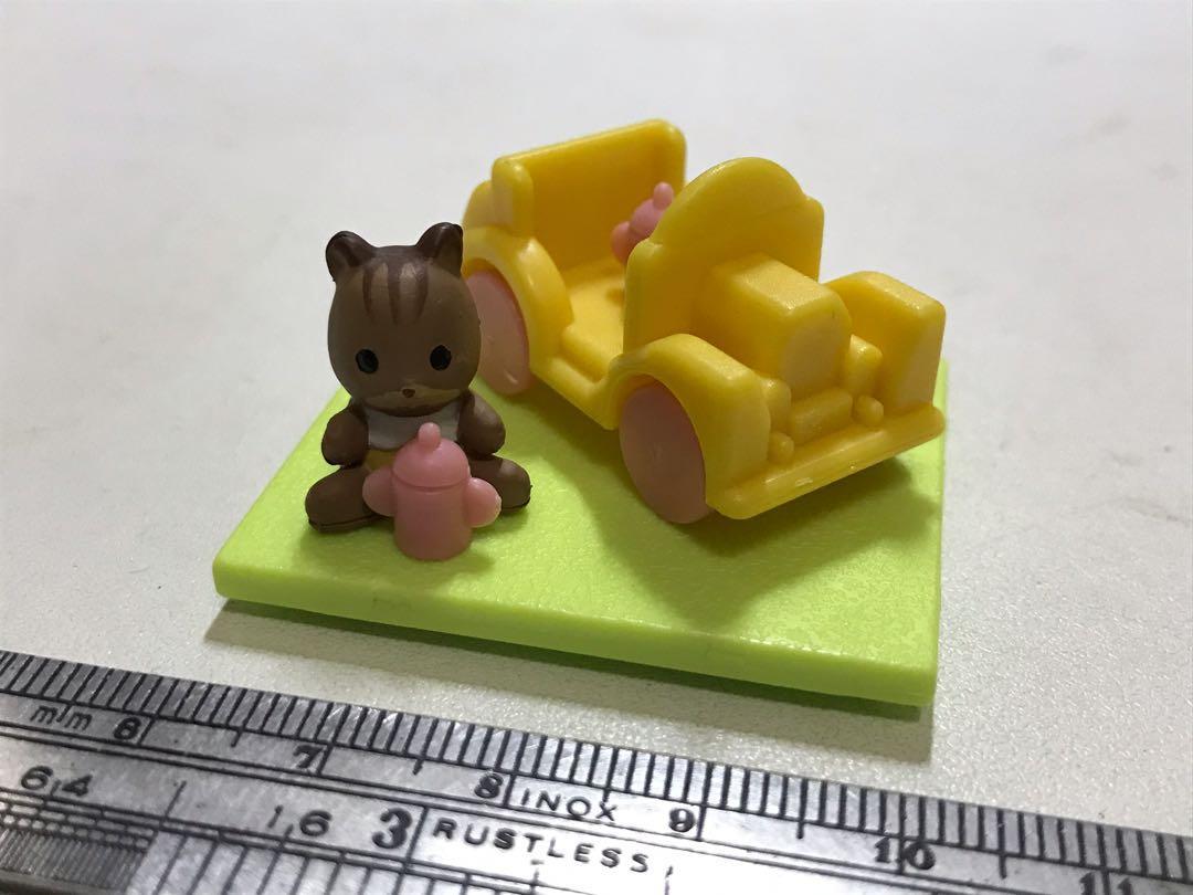 扭蛋森林家族松鼠寶寶