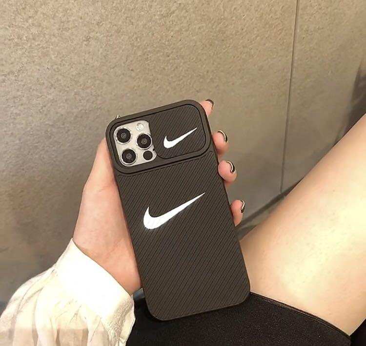 潮牌黑色手機殼 保護鏡頭