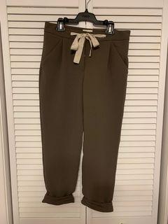 Aritzia cropped pant, size 0