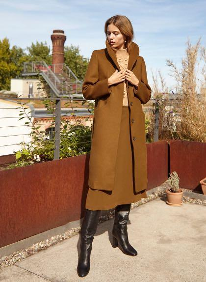 Aritzia Wilfred Cocoon Long Cigar Size small