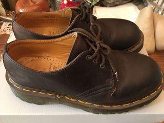 英國🇬🇧Dr. Martens經典3孔咖啡色馬汀大夫鞋
