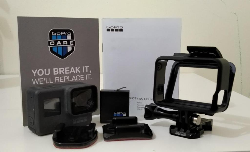 GoPro Hero5 + Smart Remote + Foldable Tripod (superb condition; nego)