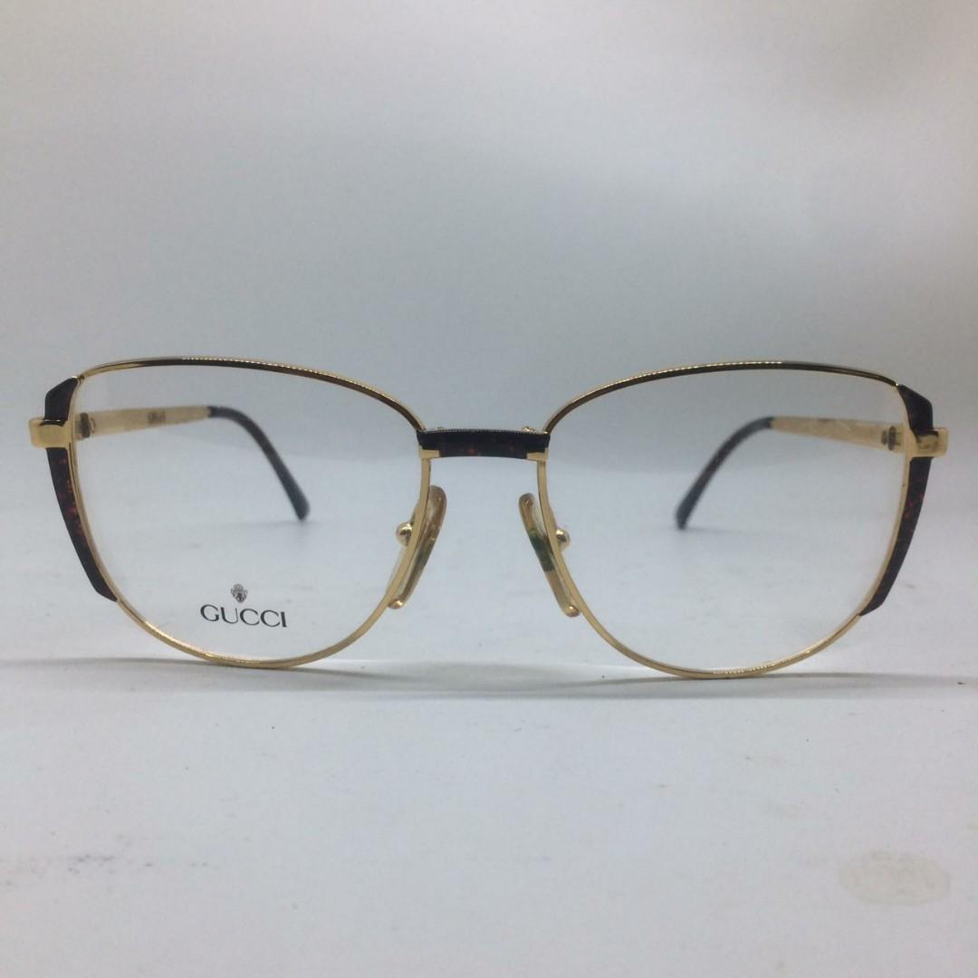 Gucci sunglasses authentic like new,
