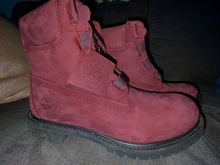 Maroon Timberlands BARELY WORN!!!