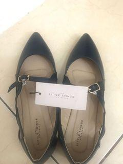 navy flat shoes
