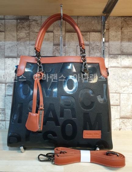 【預購】韓國(5360500):合成皮革*手提包/肩背包(尺寸:31*30*14cm)_免運。