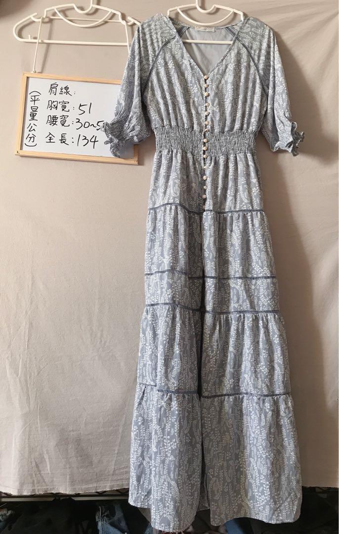 正韓排釦簍空前開岔長洋裝