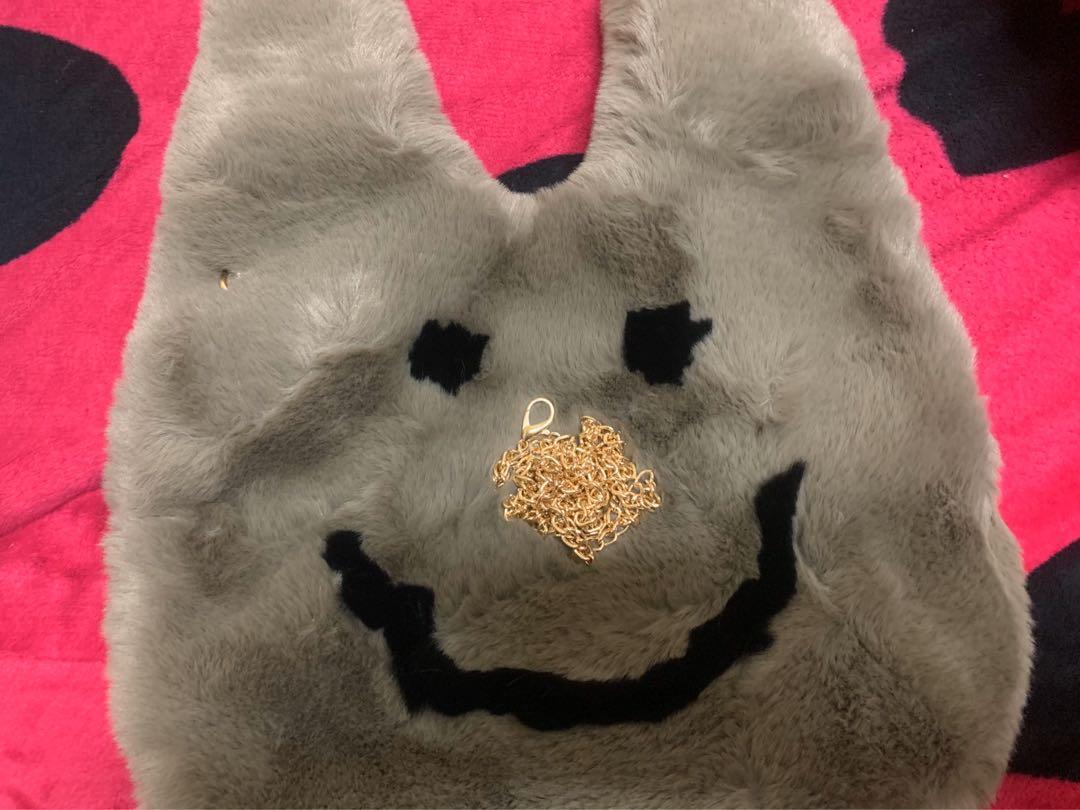 毛毛微笑包