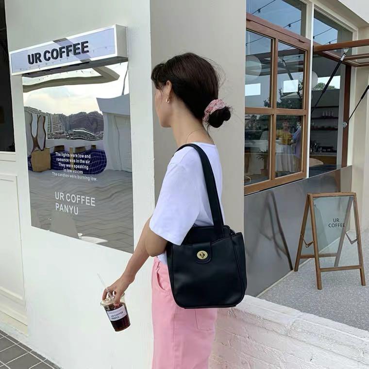 韓風風🇰🇷  軟皮 肩背包