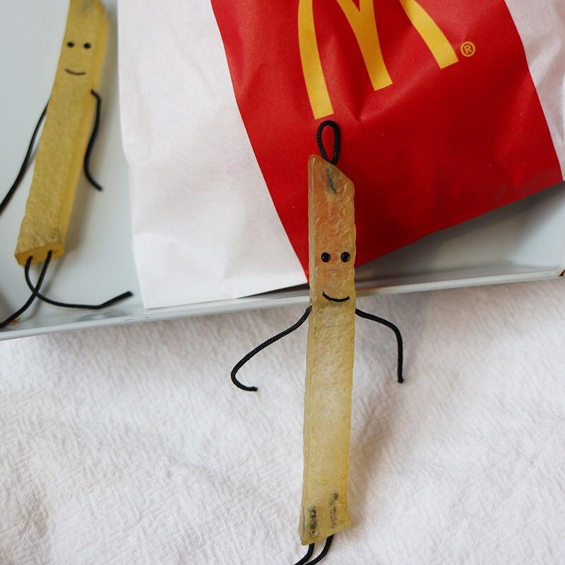 一只薯條人吊飾🍟