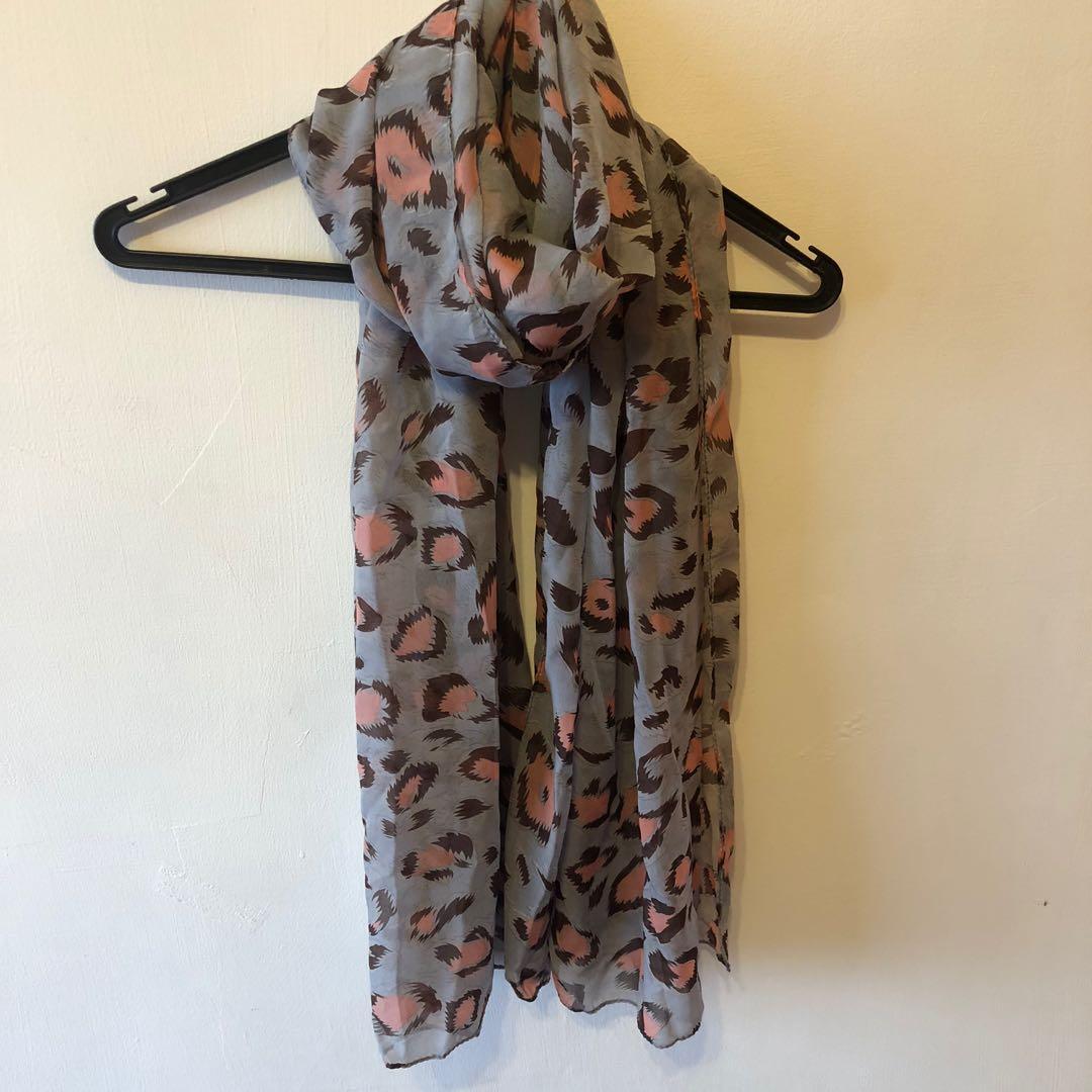 豹紋絲巾 / 可議