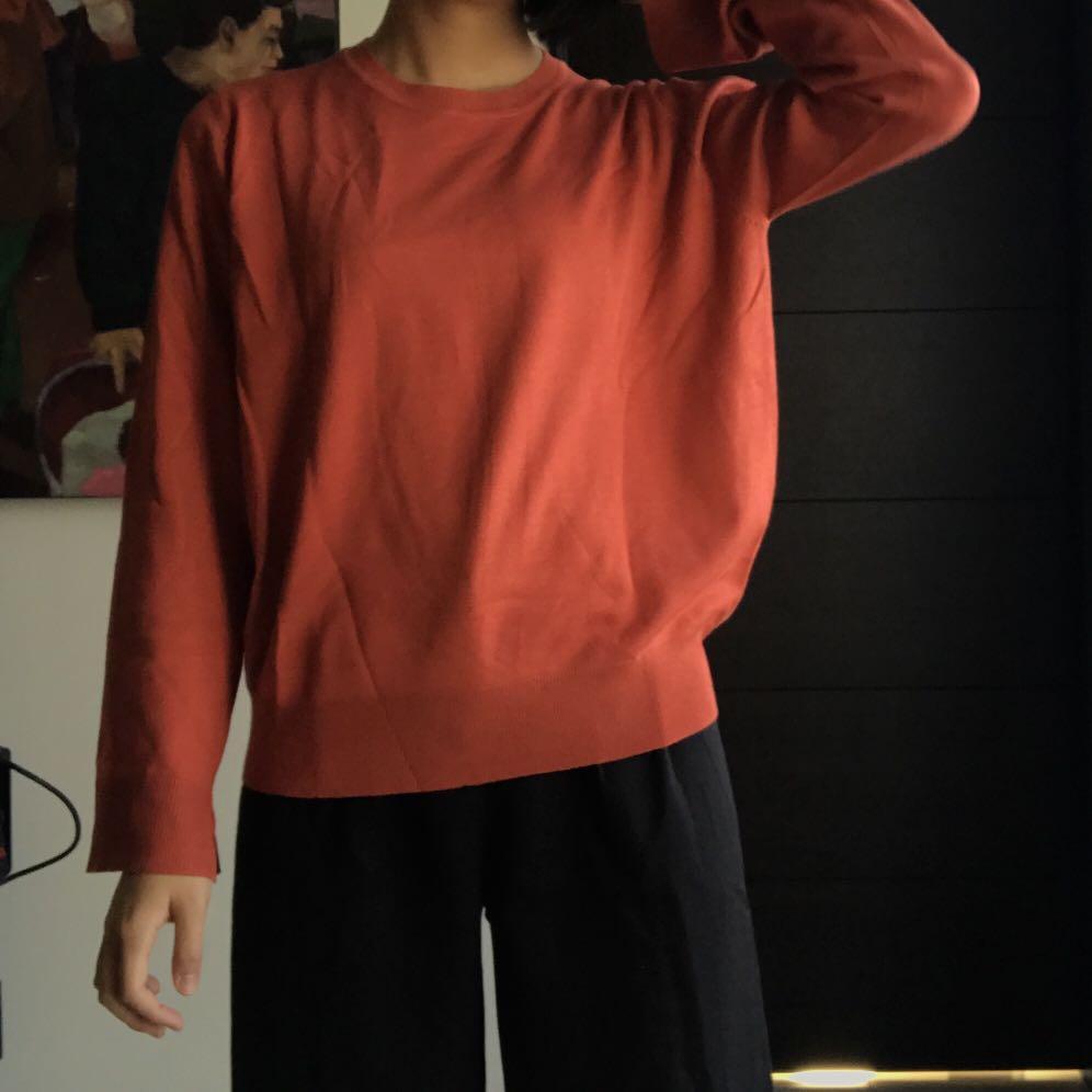 [近全新] Pazzo 袖開衩針織上衣 磚紅色