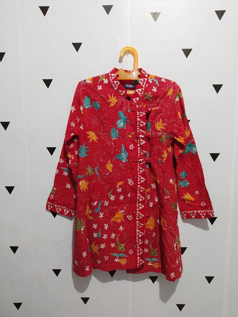 Batik Wanita Merah Formal Kantor