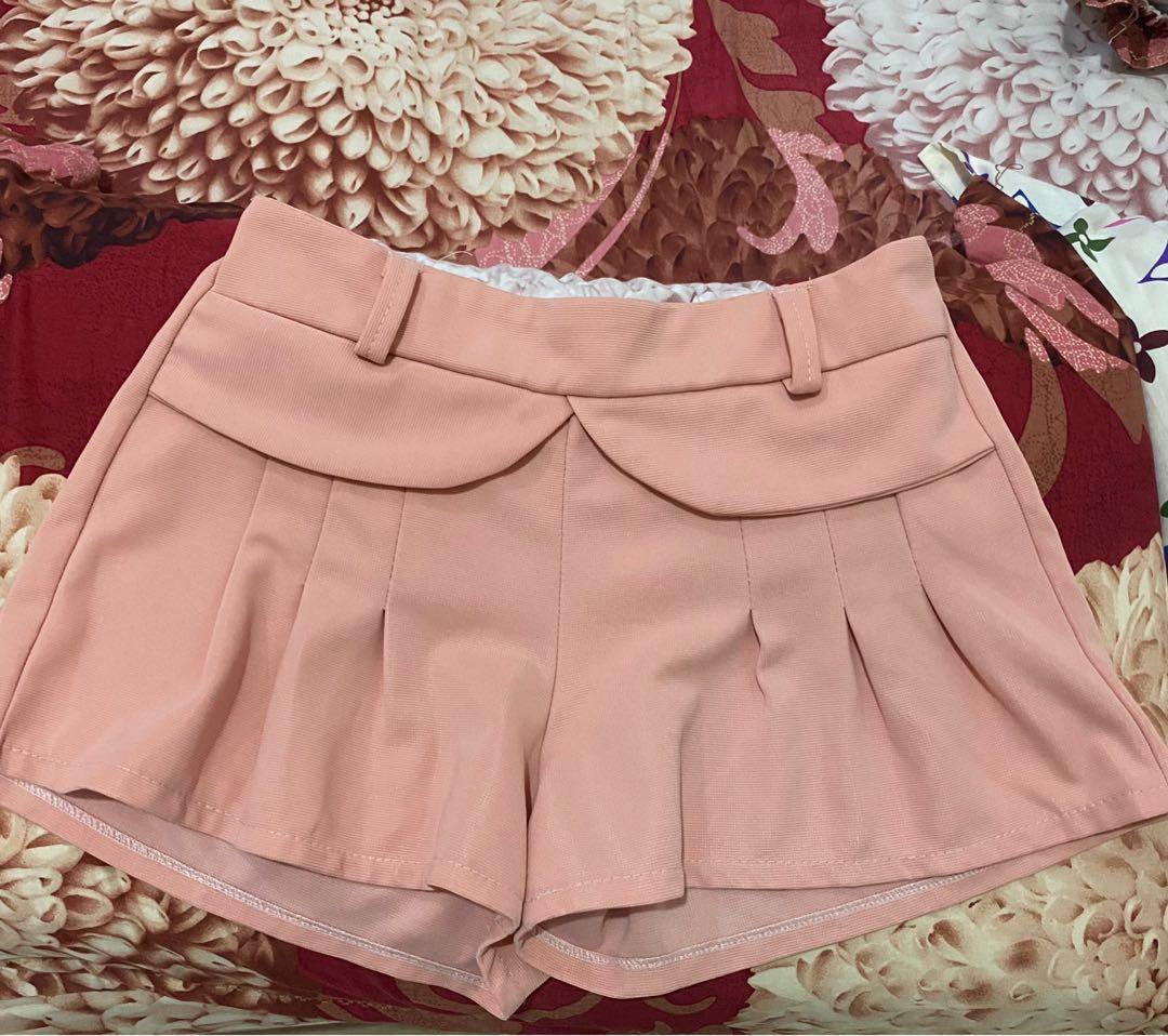 Celana pendek puff