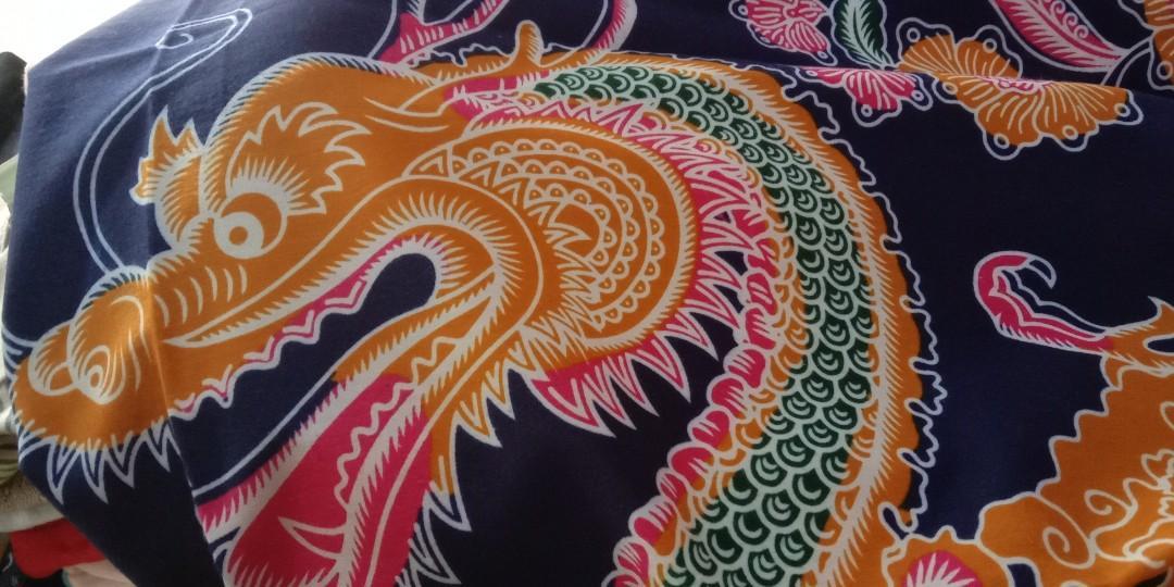 Dijual  2 pcs gendongan panjang jarik motif naga merk mahkota bumi unggul jaya bahan halus