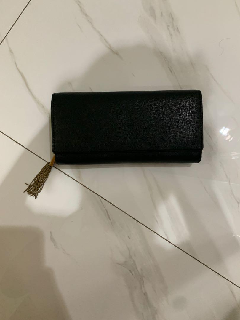 Dompet Charles & Keith Hitam