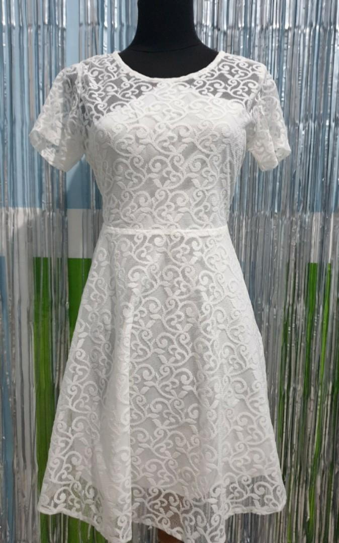 Dress Putih / White Lace Dress