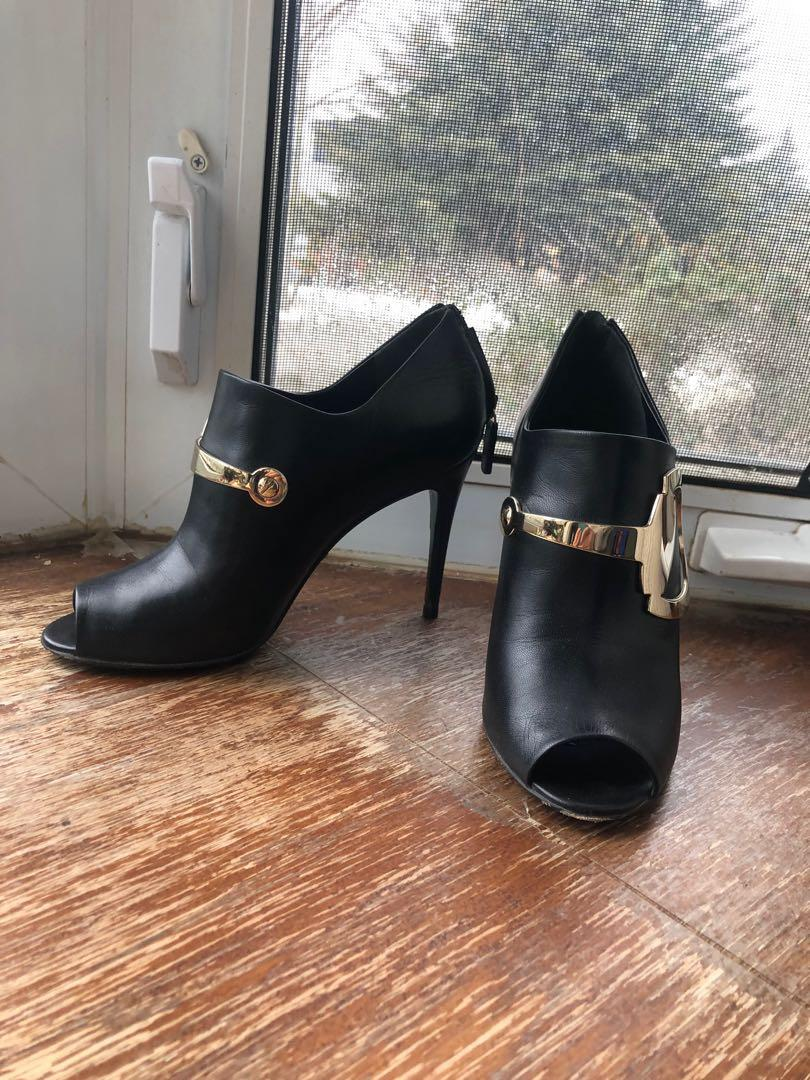Gucci Horsebit booties 35 / 5