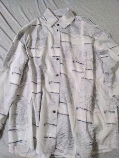 Oversize報紙紋薄襯衫