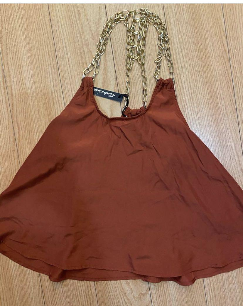 Top size small