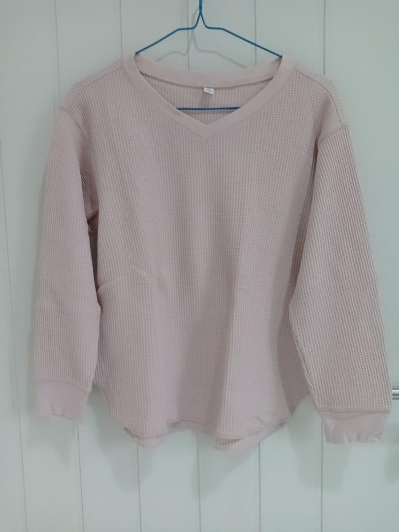 uniqlo sweater shirt