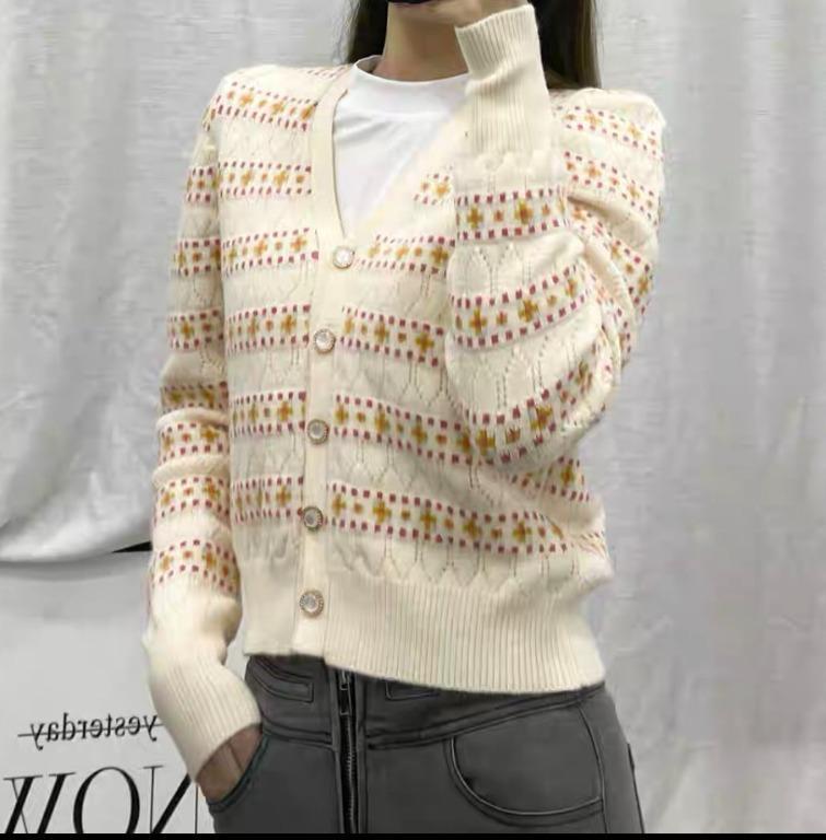 品牌質感好貨-柔軟美麗的小花甜美彈性V領針織外套-毛衣
