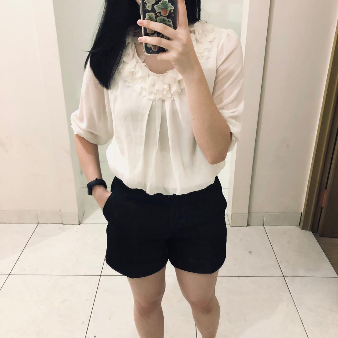 White Blouse Putih