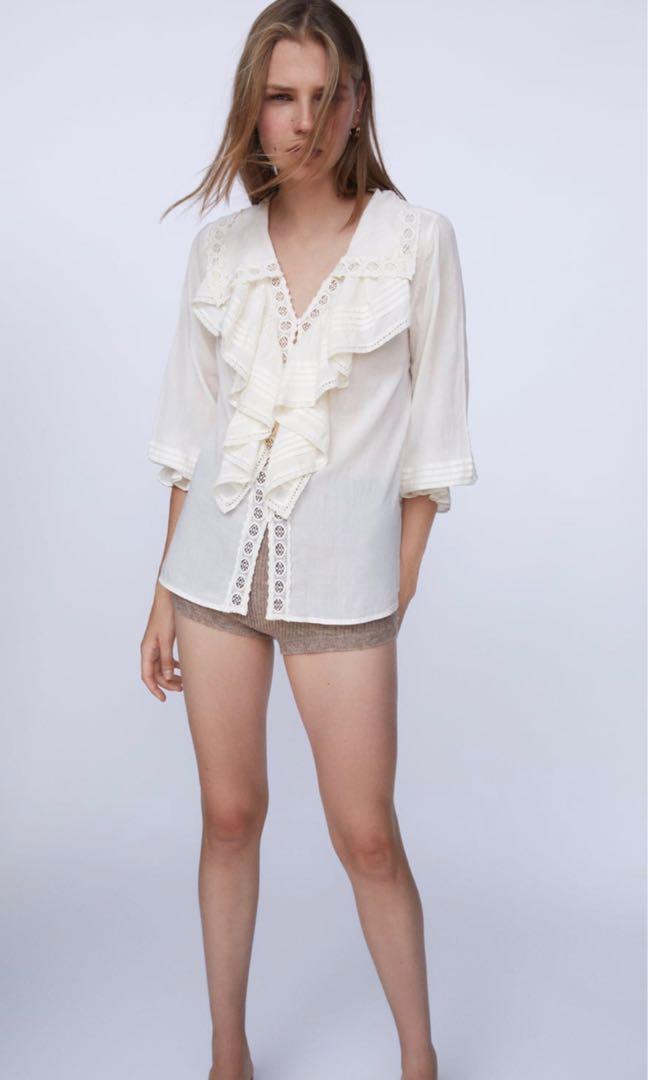 Zara 蕾絲荷葉邊上衣 蕾絲襯衫 罩衫~原價1290元